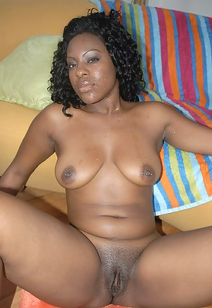 African MILF Porn Pictures